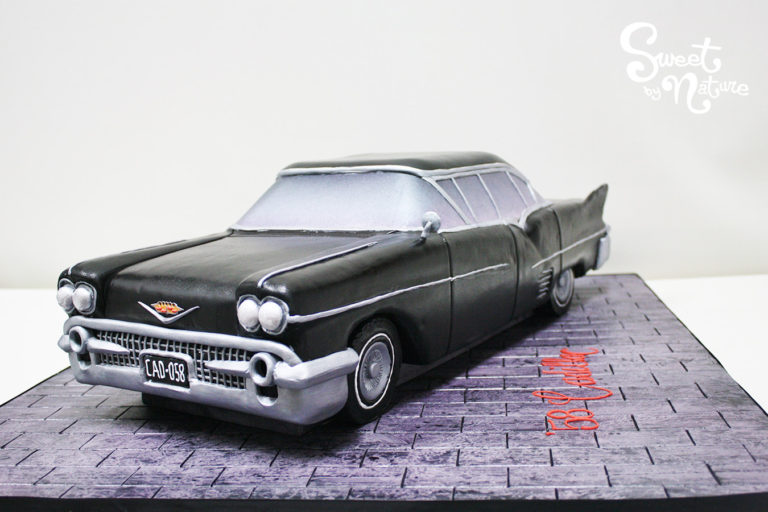 Novelty Classic Car black Cadillac cake