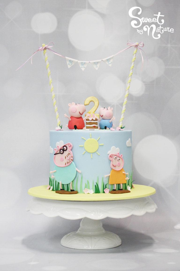 Peppa Pig Bunting Birthday Cake