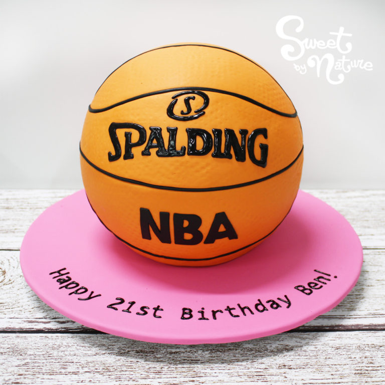 Novelty Spalding NBA basketball cake