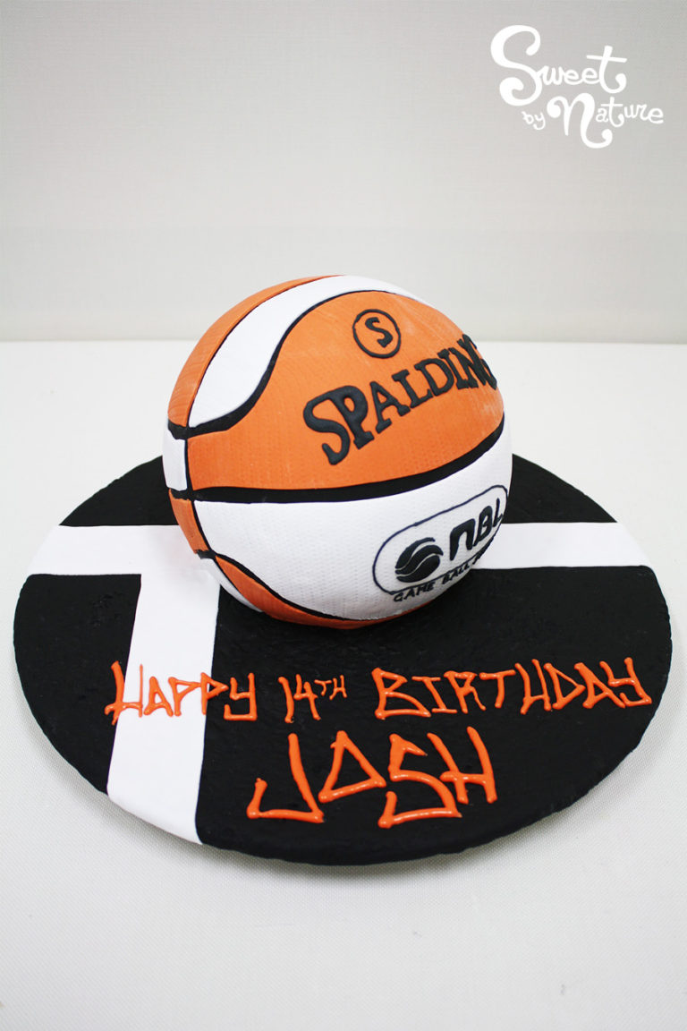 Novelty basketball Spalding ball cake